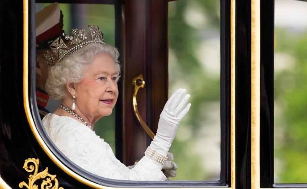 happy new year, queen elizabeth ii, new year london, british royalty, british royal family, the royal family, royal family gb, royal family news, royal family, happy new year 2019, new year, new year's eve, new year 2019, goodbye 2018,